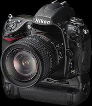 FOR SALE Nikon D700 Digital SLR Camera with Nikon AF-S VR 24-120mm len